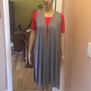 LulaRoe Joy Vest size XS color gray